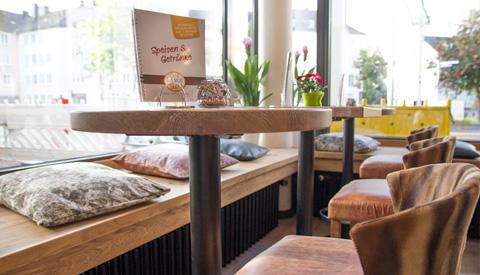 Café - Sitzbank